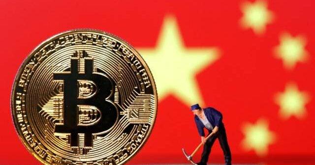 TECH HÍREK - A kínai központi bank bejelentette, hogy a kriptopénzekkel kapcsolatos összes tranzakció illegális, gyakorlatilag betiltva az olyan digitális tokeneket, mint a Bitcoin. A grafikus videókártyákat így talán ismét csak játékra fogják használni kriptobányászat helyett.